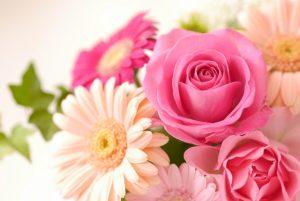 フローラル系の香り 花のような柔らかな香り。  花畑にいるような甘いイメージ。